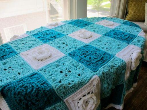 Crochet gingham baby blanket