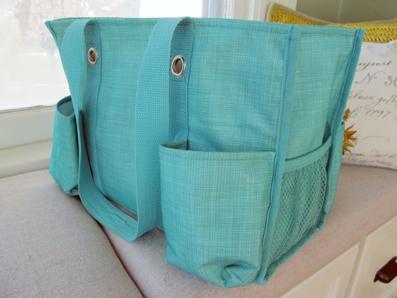 Thirty One tote for knitting and crocheting
