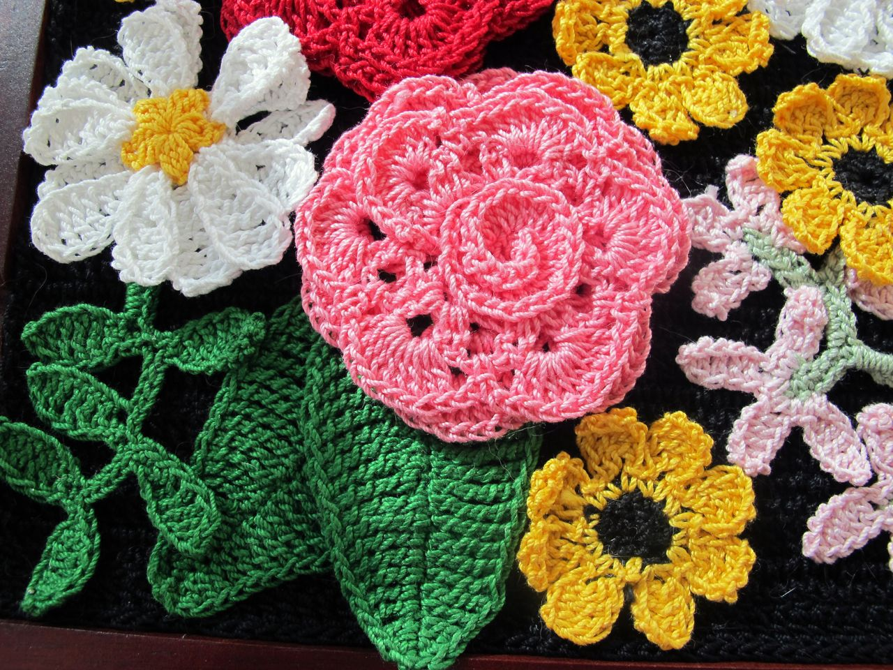 Framed Crochet Flowers Babycakes Creates